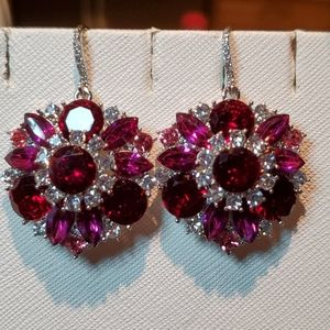💝  Beautiful pink, red & white crystal earrings